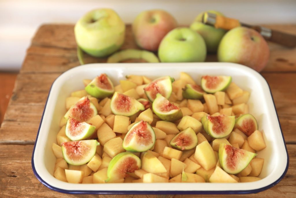 Apple and Fig Crumble 2